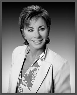 Elaine Della Santina